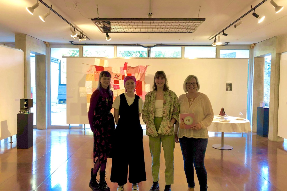 Fine Arts student Zoe with friends in UWA's Cullity Gallery