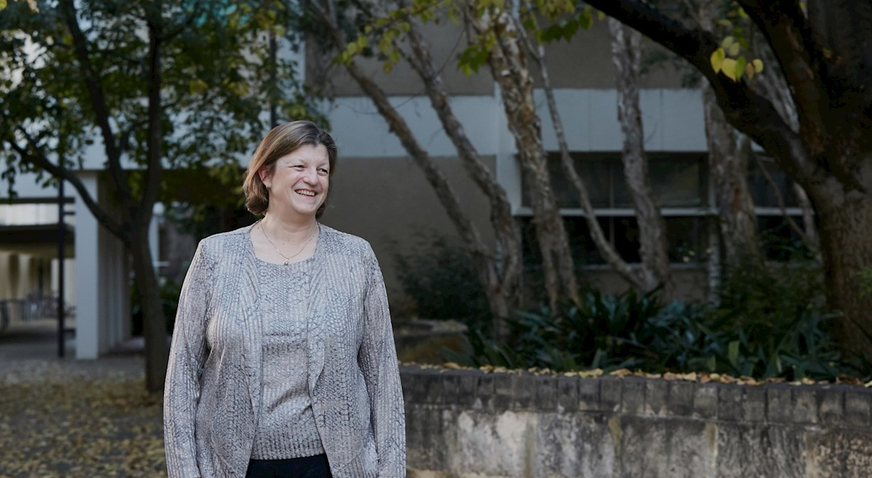 Associate Professor Jane Pillow